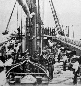 Cubierta de la Esmeralda en 1876 foto de identidadyfuturo.cl