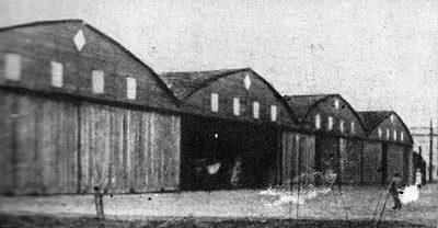 Hangares de la Escuela de Aviadores