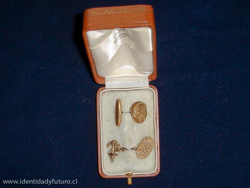 Collera de oro de arturo Prat www.identidadyfuturo.cl