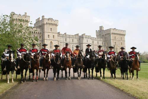 Palmas de Peñaflor se Presenta Ante la Reina Isabel II de Inglaterra en Windsor