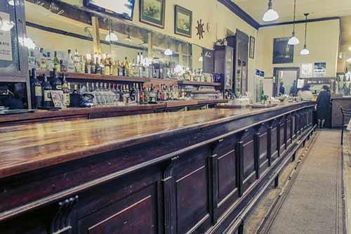 Tradicional Bar Inglés de Valparaíso Reabrirá sus Puertas