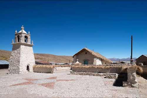 Tres Iglesias Andinas fueron Declaradas Monumento Nacional