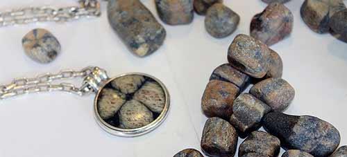 Piedra Cruz de Laraquete obtiene Denominación de Orígen