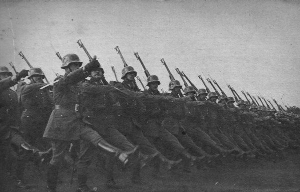 Regimiiento Buin se presenta en la Parada Militar de 1949