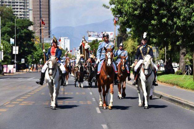 La Más Grande Romería Ecuestre en honor a la Virgen del Carmen recorrió Santiago