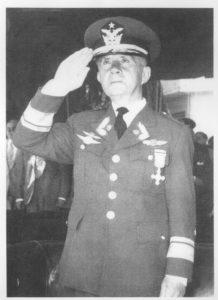 En el centenario de su histórico vuelo Los años en Temuco delteniente Dagoberto Godoy