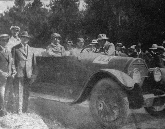 1919--La-Carrera-Automovilistica-TRAIGUEN-–-VICTORIA-–-MARIA-ESTER-1